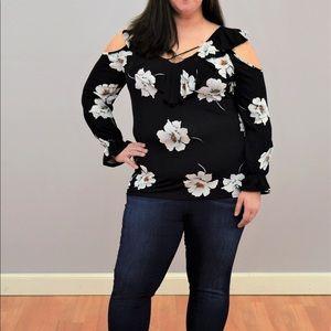Tops - Plus size, cold shoulder floral top